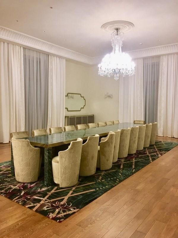 Шторы в комнате для переговоров