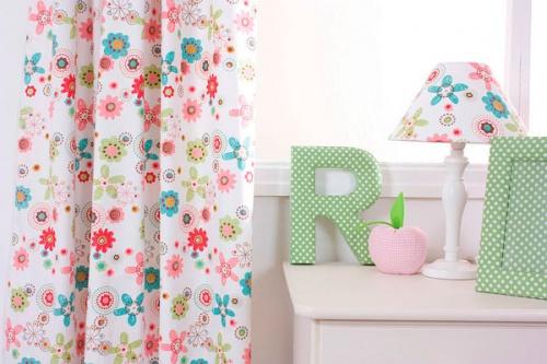 Цветочный орнамент в шторных тканях