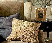 Нарядите свой дом в роскошь: покрывала, чехлы, подушки, скатерти