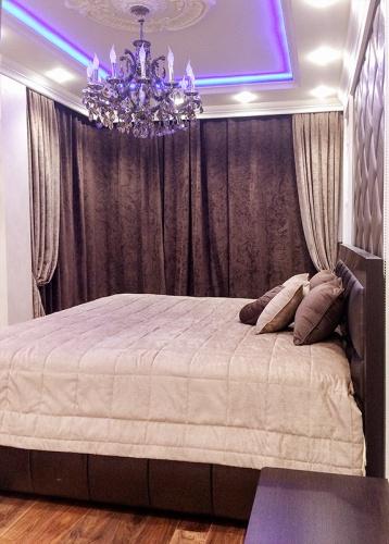 Как правильно подобрать шторы в спальню