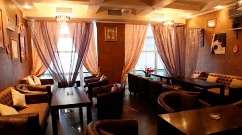 Как сделать интерьер ресторана более уютным? Выбираем «правильные» шторы!